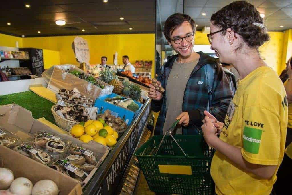 Australia: abre Supermercado Gratuito con productos descartados por otros Supermercados 1